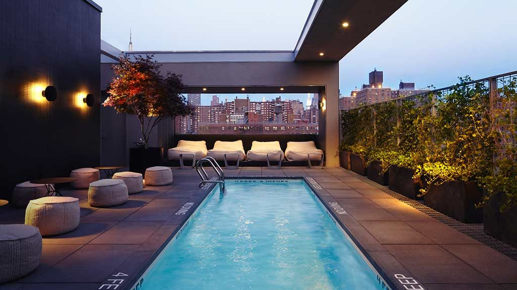 Best rooftop bars in new york city to drink for Ludlow hotels with swimming pool
