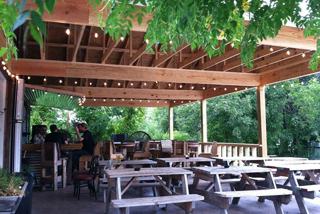 Ten Bells Tavern in Dallas