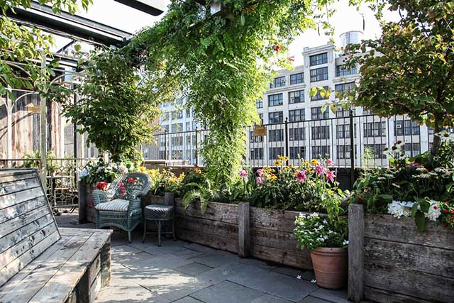 A Guide To Where To Drink Along The High Line In Nyc
