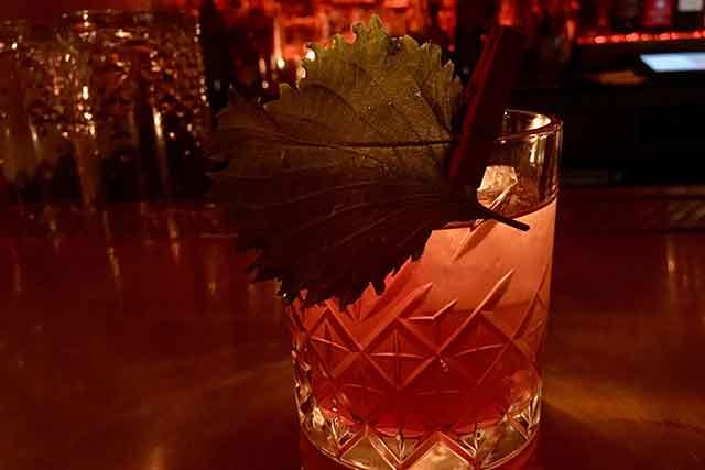 bar-and-essen-cocktail