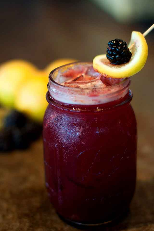 yardbird-southern--miami-beach--brunch-blackberry-bourbon-lemonade