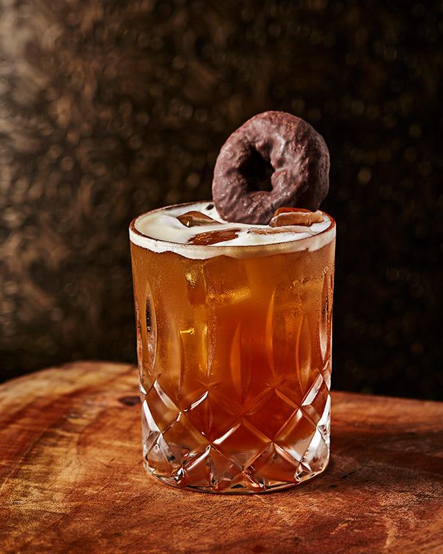 l-bar_coffee-_-a-doughnut_photo-credit-michael-pisarri