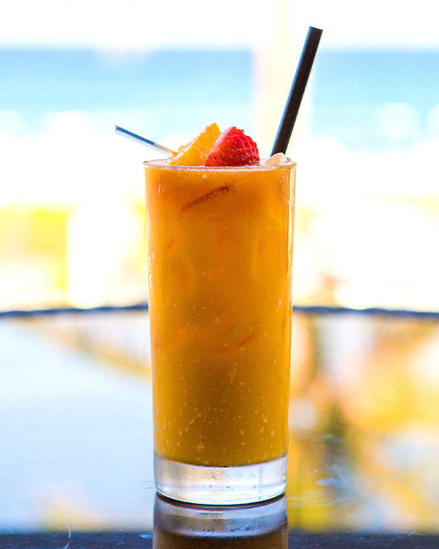summer-cocktails-boca-beach-clubs-ocean-bar-mango-coloda
