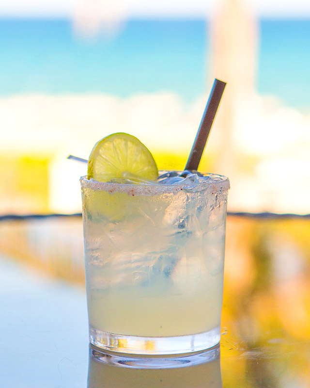 summer-cocktails-boca-beach-clubs-ocean-bar-waldorf-margarita