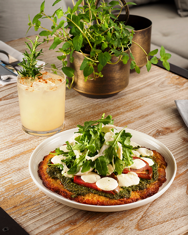 farm-to-table-cocktails-from-malibu-farm-miami-beach-cauliflower-crust-pizza-and-the-pear
