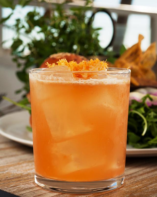 farm-to-table-cocktails-from-malibu-farm-miami-beach-grapefruit