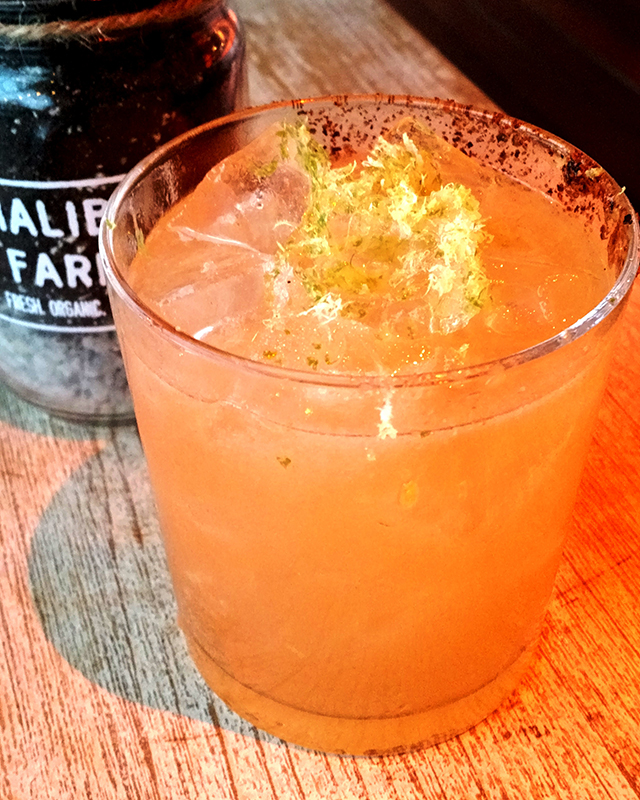 farm-to-table-cocktails-from-malibu-farm-miami-beach-smoke-3