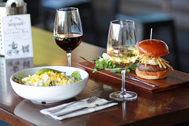 wine-and-burger-tm