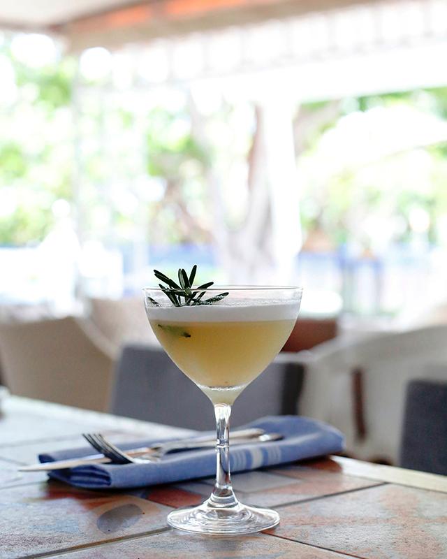 miami-spice-at-diez-y-seis-at-shore-club-verdes-es-vida-cocktail-2-photo-credit-jordan-braun-photography