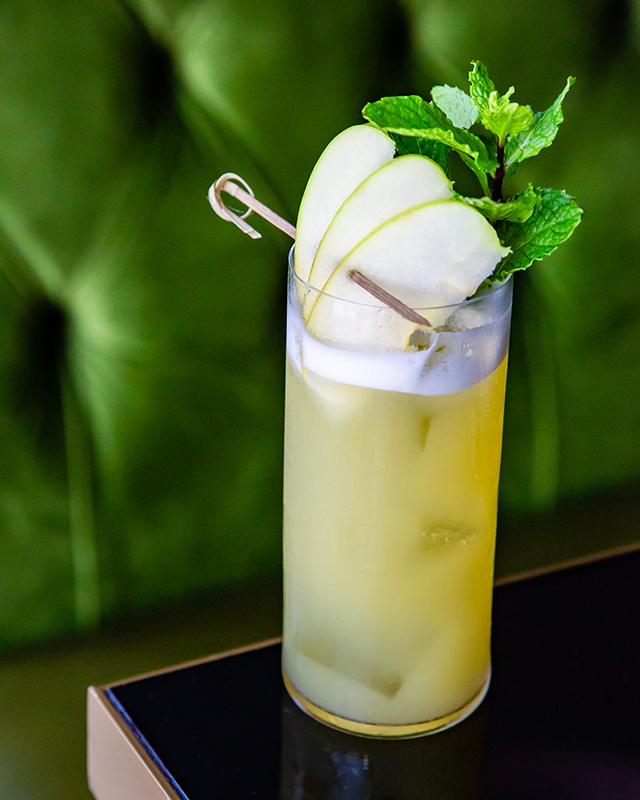 three-wynwood-brunch-miami-late-bloomer-_-bison-grass-vodka-elderflower-green-apple-lemon-and-basil-photo-credit-tracey-borrow_open-i-studio