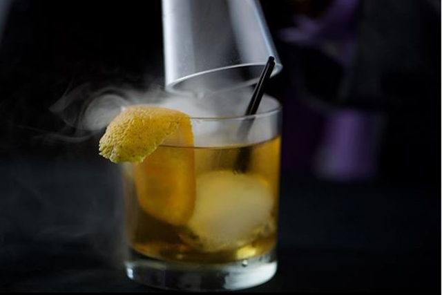 bourbon-cocktails-miami-biella-smoked-manhattan