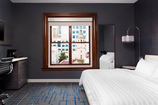 le-meridien-tampa-fl-guestroom-9073-hor-wide