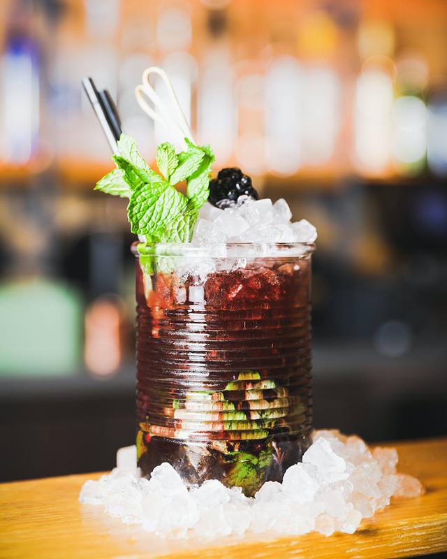 sushi-garage-toki-can-cocktail-inside