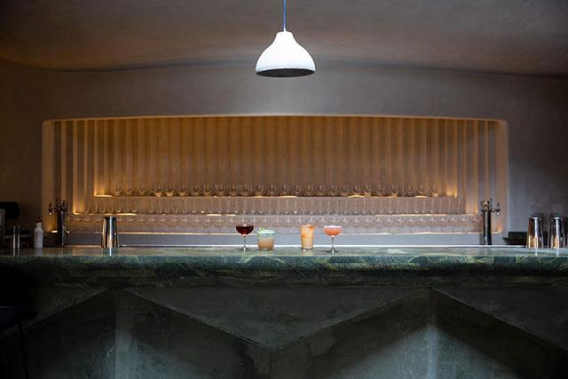 bar-beau-inside