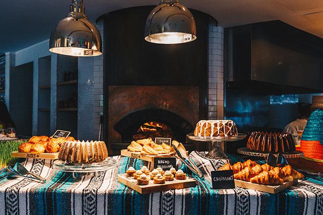 diez-y-seis-brunch-dessert-station-1
