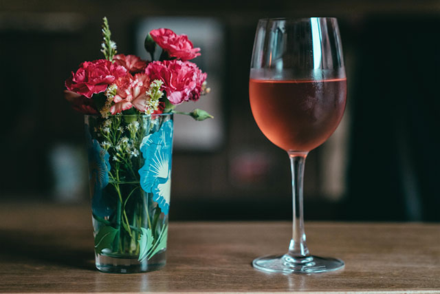 flower-and-wine-inside