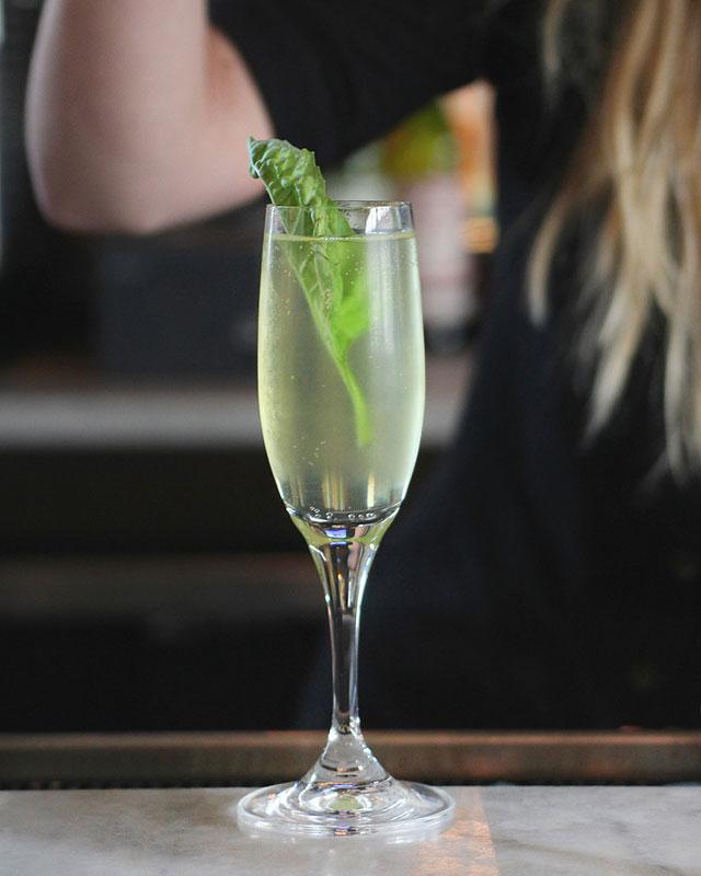 grato-wpb-roman-sparkler-cocktial