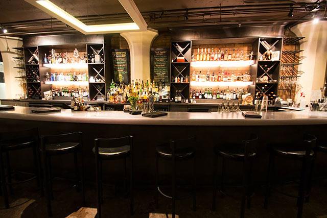 society-lounge-cleveland-oh-bar-1-inside
