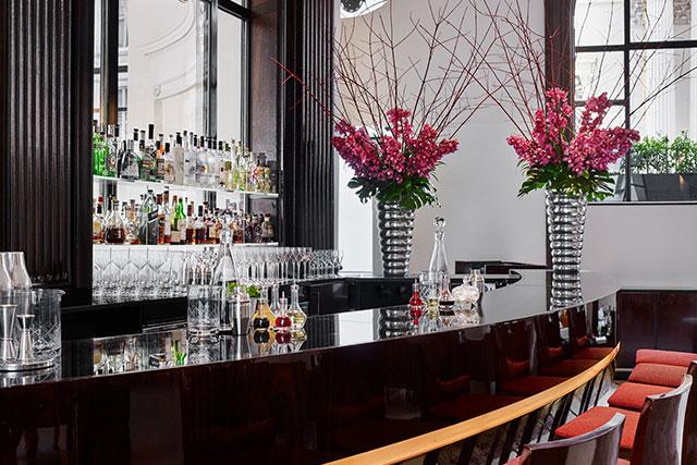 the-lobby-bar-at-one-aldwych-london-bar