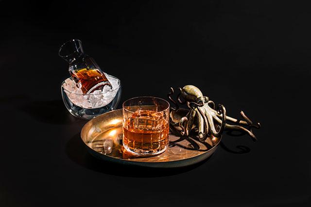three_dots_rum-and-honey_credit_jeffmarini