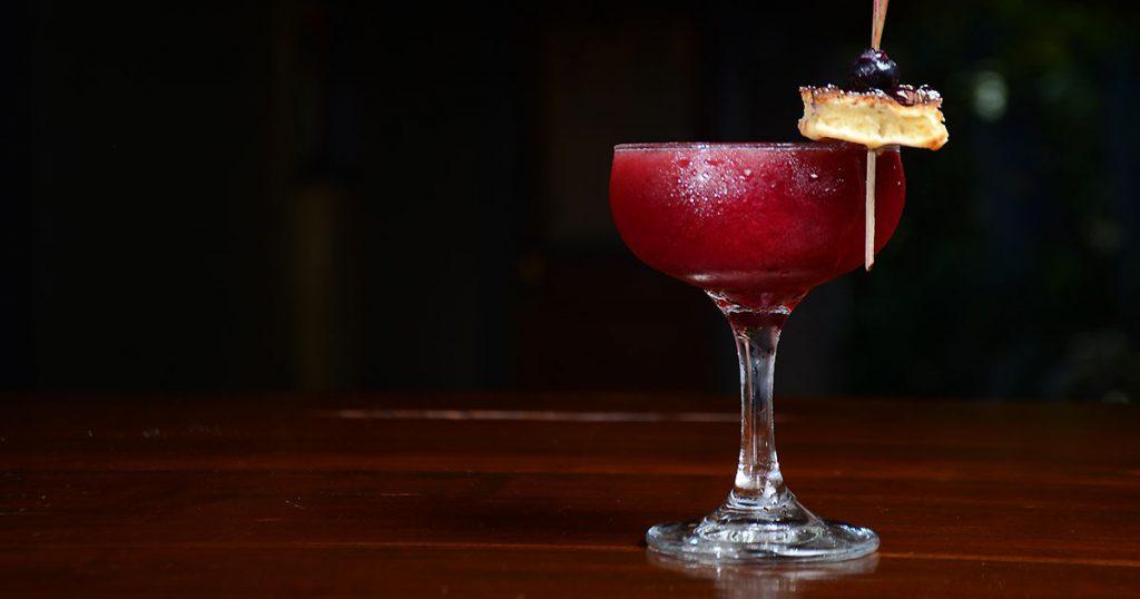 golden-globe-cocktails-featured