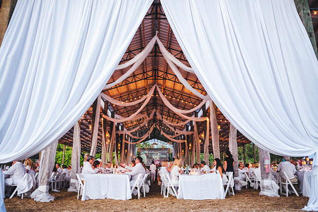 swank-table--west-palm-beach-barn-int-white-party