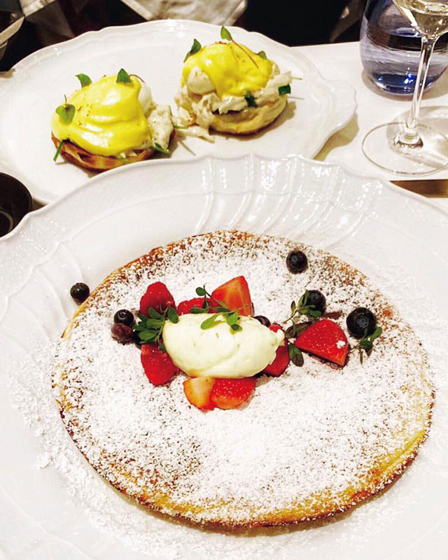 jazz-brunch--fiola-miami-crab-benedict-lemon-ricotta-pancake