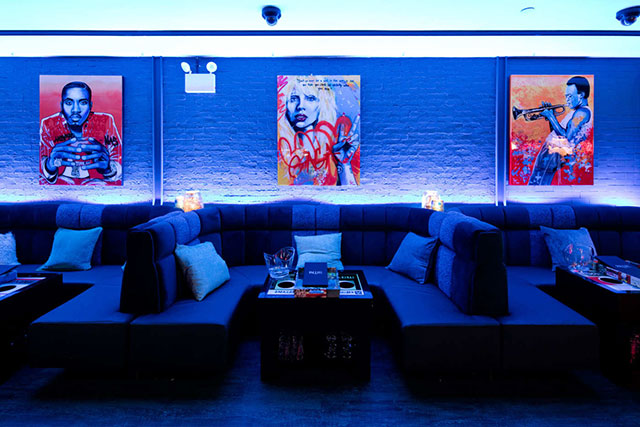 blue-ribbon-lounge-inside