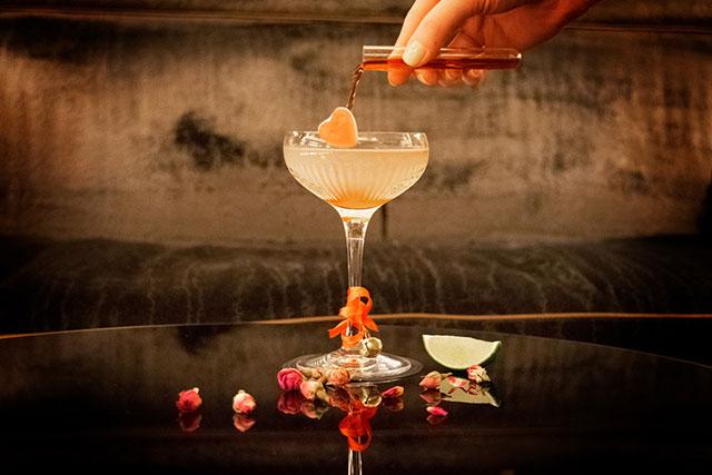 manettas-bar--london-wild-romance