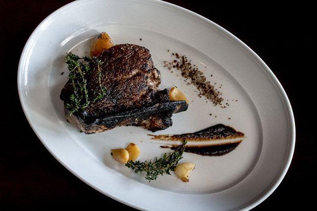 vegas-eat-drink-mb-steak-in-bone-filet