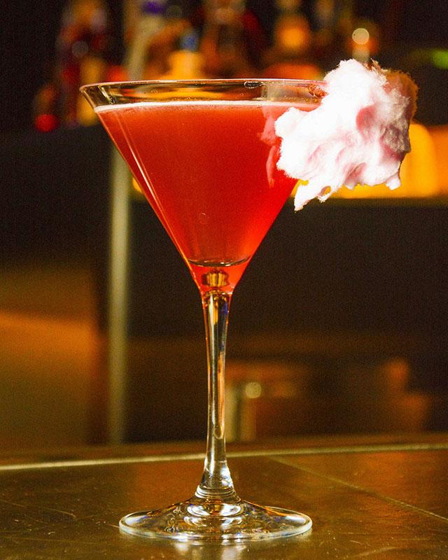 vegas-eat-drink-mb-steak-magic-mike-cocktail_joe-durkin_press