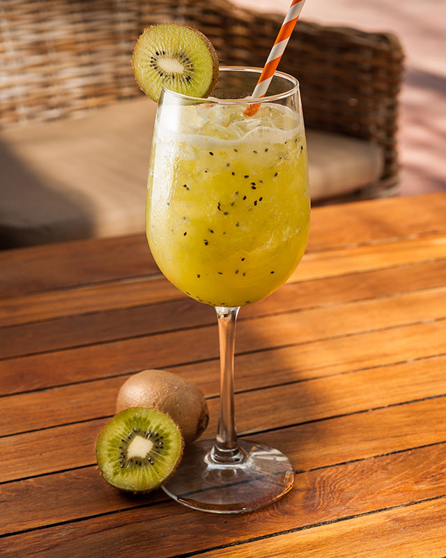 south-of-fifth-miami-cocktail-guide-kiwi-crush-at-the-local-house