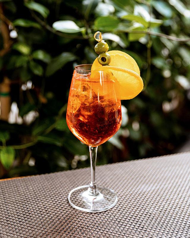 springtime-drinks-miami-filia-south-beach-calabriancoast_creditfilia
